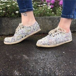 Toms floral spring lace up espadrilles sneakers